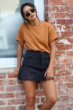 trendy fall outfits that you need as soon as possible .- Trendige Herbst-Outfits, die Sie so schnell wie möglich ausprobieren könne… trendy fall outfits to try as soon as possible out - Trendy Fall Outfits, Casual Summer Outfits, Autumn Outfits, Black Outfits, Casual Skirts, Casual Fall, Mode Outfits, Fashion Outfits, School Outfits