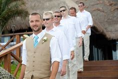 I like the groom's outfit for a beach wedding...