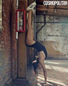 "Lee Hyori shows off her flexibility with yoga poses in ""Cosmopolitan"" Clara Lee, Lee Hyori, Yoga Photos, Cosmopolitan Magazine, Famous Girls, Vin Diesel, Body Inspiration, Female Singers, How To Do Yoga"