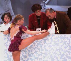 Tonya Harding Tonya Harding, Ice Skating, Figure Skating, Grace Slick, Ice Rink, Sketchbook Inspiration, Way Of Life, Skate, History