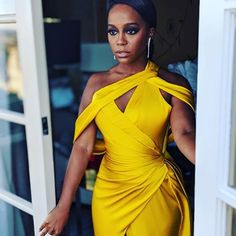 Black women invented the color yellow. Girl Fashion, Fashion Outfits, Womens Fashion, Sexy Dresses, Beautiful Dresses, Festa Party, Mode Streetwear, Beyonce, Rihanna
