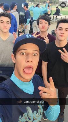 Dolan Twins with magcon boys cameron Dallas