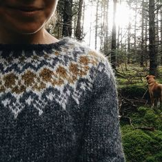 New Olwyn sweater knit by Meaghan to go up in the shop in the new year! We took some knits out to the woods to photograph before the snow… Fair Isle Knitting Patterns, Sweater Knitting Patterns, Knitting Designs, Knitting Projects, Slip Stitch Knitting, Free Knitting, Icelandic Sweaters, Knitting Videos, Knit Crochet