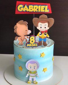 Bolo Toy Story, Festa Toy Story, Toy Story Cakes, Third Birthday, Birthday Cake, Birthday Balloon Decorations, Lolo, Buttercream Cake, Toy Store