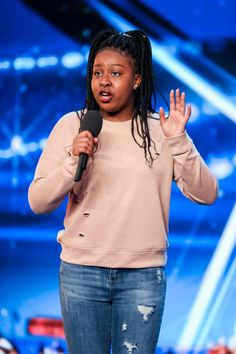 Britian's Got Talent - Sarah Ikumu's (15 years old, schoolgirl) powerful vocals wowed the judges on the first episode
