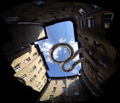 Una pasarela flotante en espiral entre edificios de oficinas para un retiro visual  Mobu Systems (@MobuSystems)   Twitter