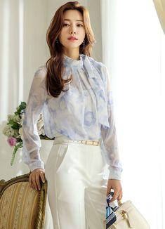 Korean Women`s Fashion Shopping Mall, Styleonme. Sexy Blouse, Tie Blouse, Korean Blouse, Blouse Models, Korean Outfits, Korean Clothes, Korean Women, Korean People, Printed Ribbon