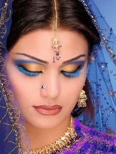Indian beauty - such glamour Beautiful Women Bollywood Makeup, Bollywood Style, Bollywood Party, Make Up Designs, Lip Designs, Arabian Makeup, Arabian Eyes, Arabian Nights, Bridal Eye Makeup