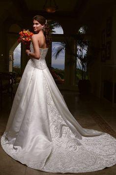 A line Satin Wedding dress 2015 Gown Extensive Embroidery Wallpaper