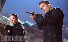 El Extraño Gato del Cuento: Nuevo Stills #Divergent
