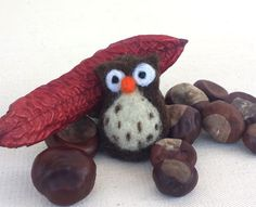 Felt Owl Brooch Brown White needle felted Home decoration Christmas ornament Wool Owl Lover Hat coat bag accessory Gift under 15 Holliday