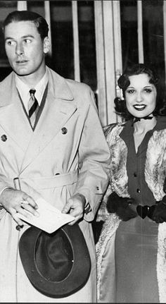 Woman who said no to lothario Errol Flynn revealed in unseen letters - Errol Flynn, Hollywood Cinema, Vintage Hollywood, Jesse Johnson Actor, Sean Flynn, Captain Blood, Under The Hammer, Olivia De Havilland, Actrices Hollywood