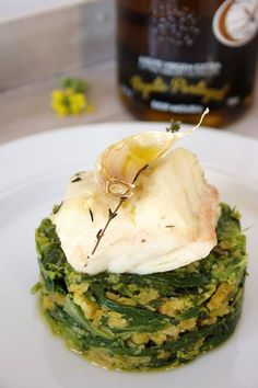 Codfish confit with breadcrumbs and greens - bacalhau - Sardline Cod Recipes, Clean Recipes, Fish Recipes, Seafood Recipes, Cooking Recipes, Healthy Recipes, Healthy Food, Portuguese Recipes, Portuguese Food