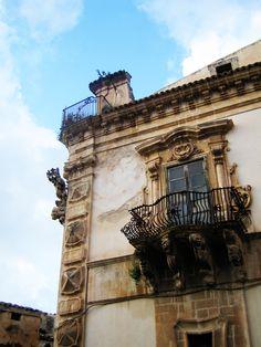 city of Scicli - Palazzo Beneventano - Province of Ragusa, Sicily #Baroque architectural detail