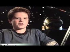 Interview Josh Hutcherson Zathura..he is so freaking adorable i dont know who is he mimicking but i love his voice there so cute! cant get enough! just click the pic guys so you can see the video...its from youtube..