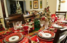 Christine's Home and Travel Adventures: Villeroy & Boch and Plaid Christmas Table