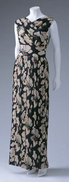 Evening Dress, Elsa Schiaparelli: ca. 1937, printed and pleated silk crepe, matching belt.