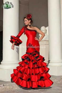 311e514ae59f Flamenco Dancers, Flamenco Costume, Flamenco Baile, Spanish Dancer, Spanish  Dress, Fiesta Dress, Mexican Dresses, Carnival Costumes, Traditional Dresses