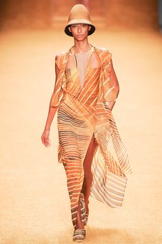 Akris Spring 2014 Ready-to-Wear Collection - Vogue