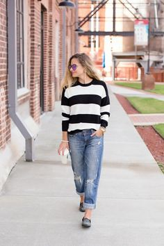 Fall Outfit With Boyfriend Jeans Studded Loafers 97af27ce9