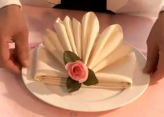 Video: Fold This Fancy Looking Napkin