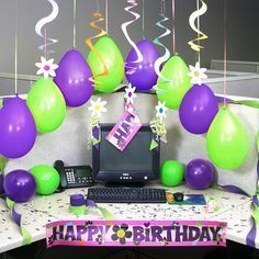 Try these simple small desk ideas to help keep your desk neat and tidy and boost your productivity! #DeskIdeas #CubicleDesk #CubicleDeskIdeas Boss Birthday, Birthday Fun, Happy Birthday Flower, Birthday Flowers For Her, Office Cube, Cubicle Decorations, Cubicle Ideas, Cubicle Birthday Decorations, Work Cubicle