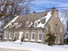 Maison ancestrale de Boucherville, Québec•• Montreal Quebec, Quebec City, Old Stone Houses, Old Houses, Early Settler, Canada, Colonial Architecture, The Good Place, House Plans