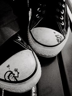 more photos b34a6 6b15d I draw on my Converse even tho I m old  -)