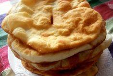 Soviacițe sau colãșei bãnãțeni Romanian Food, Romanian Recipes, Food Festival, I Foods, Apple Pie, Gem, Cooking Recipes, Sweets, Bread
