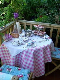 Whimsical Raindrop Cottage, english tea party (by Coffee Time, Tea Time, Afternoon Tea Parties, Garden Party Wedding, Deck Party, My Cup Of Tea, Vintage Tea, High Tea, Outdoor Dining