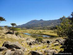 #Pulmari camino a #VillaPehuenia, #vacaciones2018.  #Verano2018 en #Neuquen #Patagonia www.villapehuenia.org Villa Pehuenia, Patagonia, River, Mountains, Nature, Outdoor, Drive Way, Argentina, Paisajes