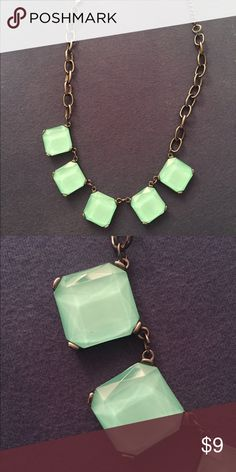 🌊ANOTHER PRICE DROP! Statement Necklace Pretty seafoam color! Like new. Jewelry Necklaces