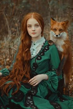 Moscow-based photographer Anastasiya Dobrovolskaya captures the diverse color of foxes in her stunning image, Autumn Equinox. Moscow-based photographer Anastasiya Dobrovolskaya captures the diverse color of foxes in her stunning image, Fantasy Photography, Portrait Photography, Funny Photography, Pretty People, Beautiful People, Images Esthétiques, Foto Fantasy, Fantasy Model, Fantasy Dress