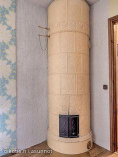 Myytävät asunnot, Vallikatu 18 Ylä-Pispala #kaakeliuuni #takka #oikotieasunnot Old Fireplace, Fireplaces, Traditional, Google, Home, Fireplace Set, Fire Places, Ad Home, Fire Pits