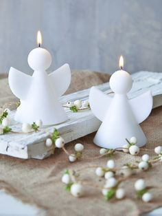 Pure, pretty and perfectly peaceful, these white angel candles will allow you to create beautiful displays all around your home this Christmas. Noel Christmas, Christmas Candles, All Things Christmas, White Christmas, Christmas Lights, Cute Candles, Best Candles, Diy Candles, Modern Christmas Decor
