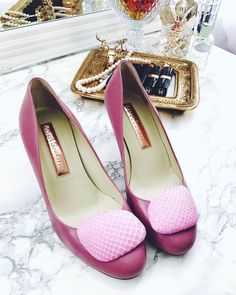 If the shoe fits... #luxirare #shoes #shoeporn #fashionblogger #rupertsanderson