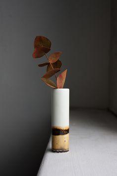 Reiko Kaneko Desert Landscape vase, Autumn set up,