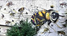 This street art shows exactly what we need: Bees come back to town - we need you! Who does agree?  #urbangarden #streetart #urbanboardugr