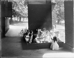 Summer School Kindergarten Charlottesville, July 25, 1914.  From the Small Special Collections Library's Holsinger Studio Collection.