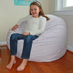 ssbbw on little chair