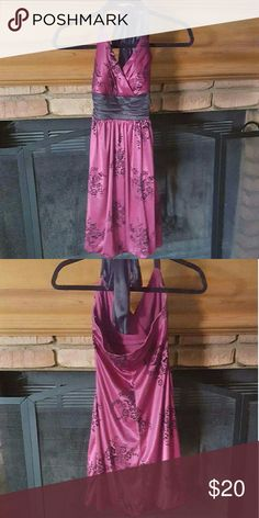Wine color homecoming dress Wine and black homecoming dress. Black details are a velvet material. Halter dress. Perfect for homecoming or semi formal or a wedding. No trades. Dresses