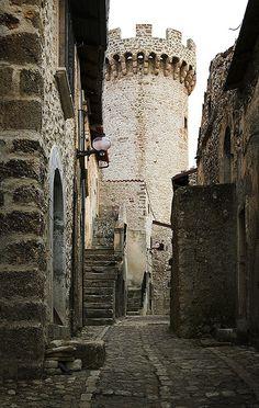 Santo Stefano di Sessanio, Abruzzi, Italy http://www.flickr.com/photos/luciano_paradisi/3421702178/