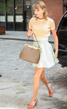 "Taylor Swift ""Out And About"" in NYC July 2014 - TopShop skirt, Miu Miu sweater, Seychelles shoes and Dolce Gabbana bag Taylor Swift Shoes, Taylor Swift Outfits, Taylor Swift Web, Taylor Swift Style, Taylor Swift Pictures, Taylor Alison Swift, Zooey Deschanel, Topshop Skirts, Hipster"