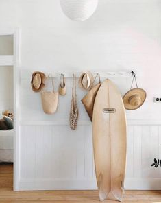 the art of slow livingSEAESTA SURF ™ ️Get the look: The California Surf Shack casually coolGet the look: The California Surf Shack casualDecor for my beach houseDecor for my beach houseThe Art of Slow Life Surf Shack, Beach Shack, Decoration Chic, Decoration Inspiration, Interior Inspiration, Decor Ideas, Design Inspiration, Design Ideas, Beach Cottage Style
