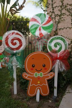 Looking to add a cute ginger bread family to your Holiday decorations? Well now you can! These cute Christmas decorations are sold separately. They are weather resistant and UV protected. This listing is for the Ginger Bread Dad (ONLY). Candy Land Christmas, Christmas Yard Art, Office Christmas, Christmas Wood, Christmas Holidays, Primitive Christmas, Country Christmas, Christmas Christmas, Christmas Signs