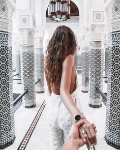 I'm living to explore and meet new cultures (share my findings with you guys afterwards😉) What keeps you going? Wanderlust Travel, Murad Osmann, Selfies, Luxury Lifestyle Fashion, Girls Hand, Free Girl, Pinterest Photos, Foto Pose, Girly Things