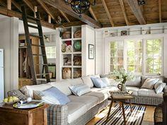 J'aime bien le placard encastré où on peut mettre plein de choses en relation avec le salon et aussi les petits espace au dessus de la porte fenêtre + la mini mezzanine à laquelle on accède par une échelle et dans laquelle on peut faire une sieste ;)