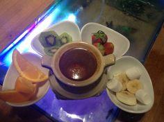 Chocolate fondue .... Silakan datang.... dan di coba....