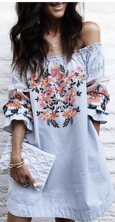 LADIES you need to sign up for Stitch Fix NOW!! Have your own personal stylist send you the latest style trends delivered to you! Summer 2017 style trends and outfit ideas! Add this pin to your Stitch Fix Summer fashion board. Click pin to sign up! #StitchfixAffiliate