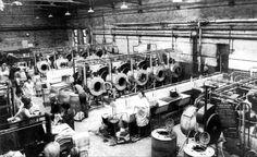Leeds: Armley Baths Washouse. 1960s.